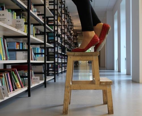 stool-963179_640